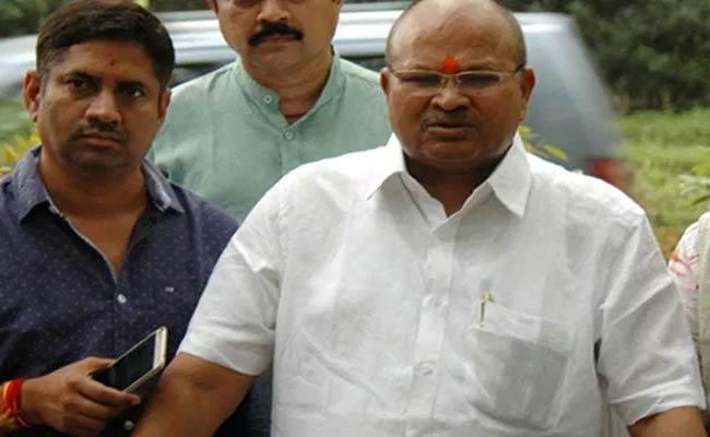 BJP AP President Kanna Laxmi Narayana Slams TDP government Over Data Breaching Issue - Sakshi