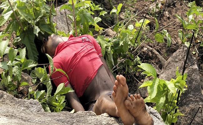 Friends Died in Shivarathri Festival in Bodikonda Srikakulam - Sakshi