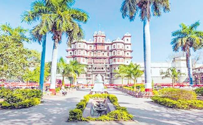 Swachh survekshan 2019 Indore Cleanest City In India Third Time - Sakshi
