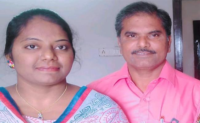 Jyothi Father Died With Heart Stroke in Guntur - Sakshi