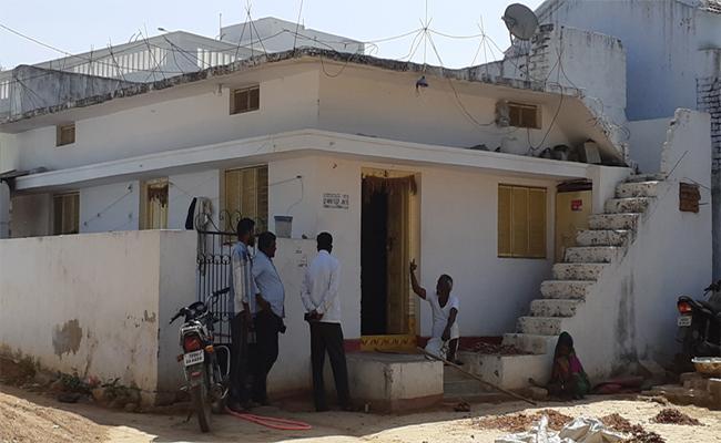 Gurugunta Village Waiting For Preethi Last Funeral - Sakshi