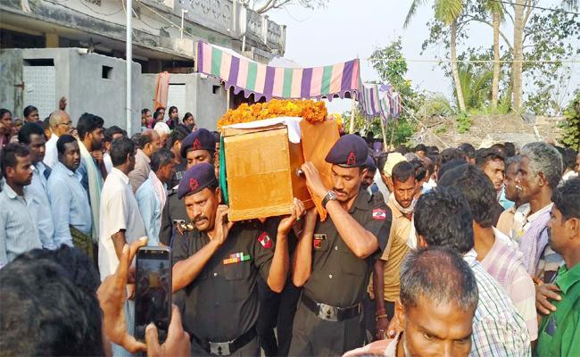 Army Employee Died in Srikakulam - Sakshi