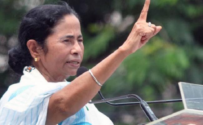 Mamata Banerjee Sticks to Tradition, Launches Lok Sabha ElectionCampaign in Kolkata on Women Day - Sakshi