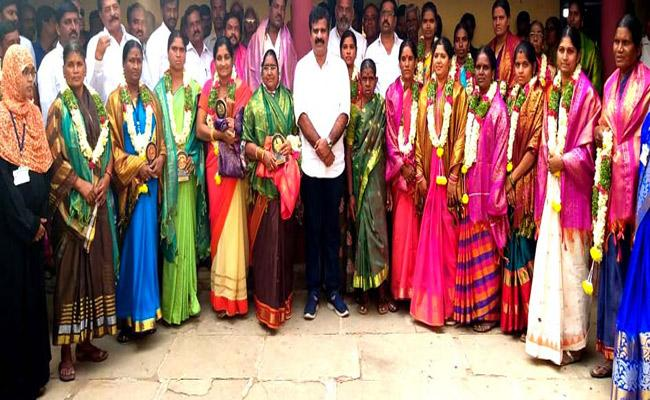 Andole MLA Honored Newly Elected Women Sarpanch On The Eve Of Womens Day Celebration - Sakshi