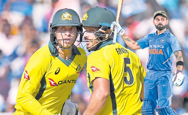 India vs Australia, 3rd ODI: Australia beat India by 32 runs - Sakshi