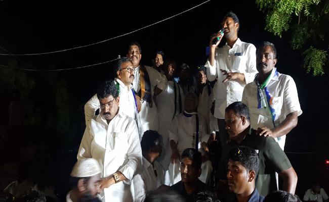 YS Avinash Reddy Election Campaign In YSR Kadapa - Sakshi