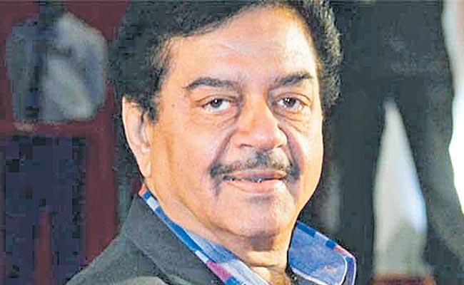 Shatrughan Sinha quits BJP joins Congress as it is a national party - Sakshi