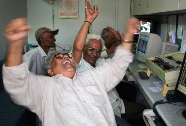 Sensex Crosses 39,000 For First Time, Hits Record High - Sakshi