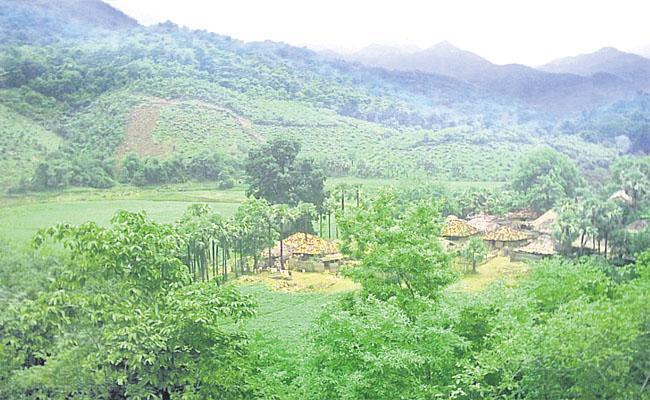 Water Problems In Velerupaadu - Sakshi
