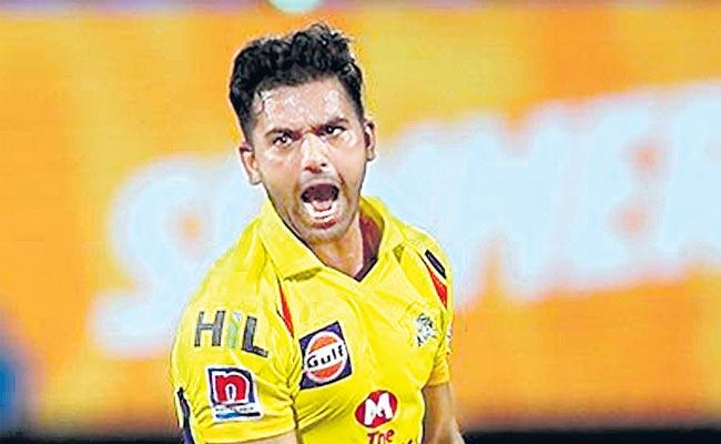 Chennai Super Kings beat Kolkata Knight Riders by 7 wickets - Sakshi
