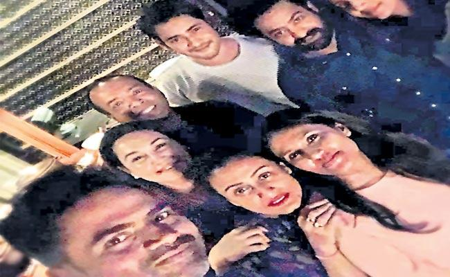 Mahesh Babu and Jr NTR enjoying Director Wife Birthday Party - Sakshi
