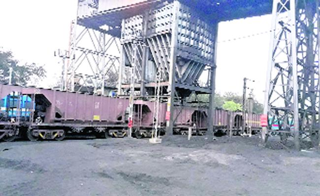 Coal Transport Record In Peddapalli - Sakshi