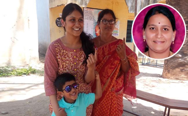 NRIs Cast Votes in Telangana - Sakshi