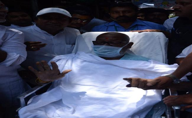 Mukesh Goud Came In Ambulance For Casting Vote - Sakshi
