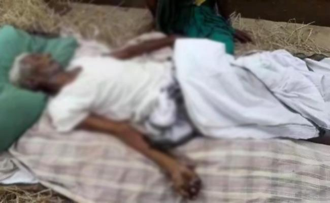Old Man Died at Dhuvva Polling Booth In West Godavari - Sakshi