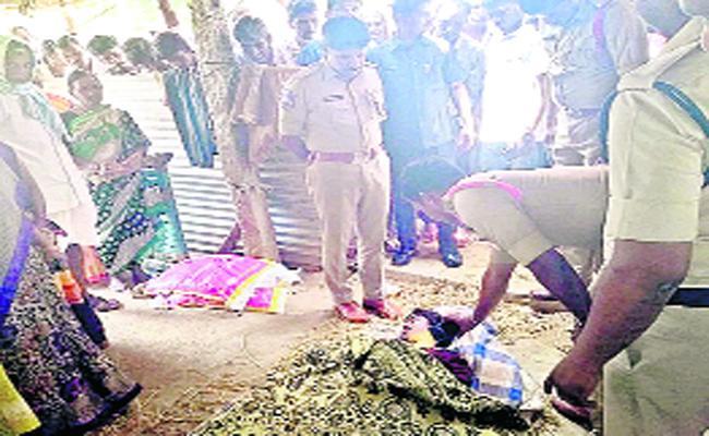 Husband Brutally Kills Wife In Nizamabad - Sakshi