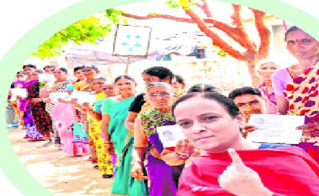 Polling On Warangal District - Sakshi