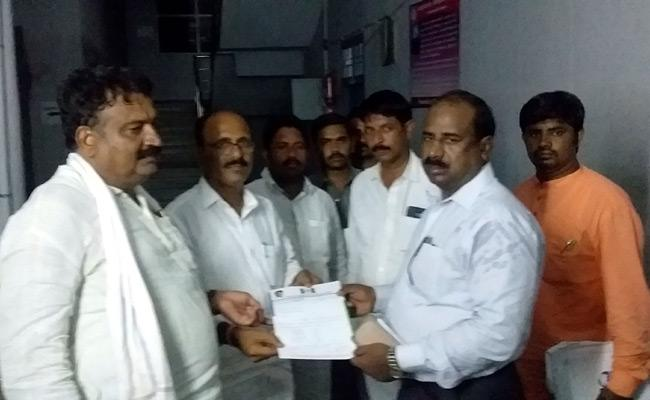 Some Polling Booths Need To Conduct Repolling In Rajampeta Requested By YSRCP - Sakshi