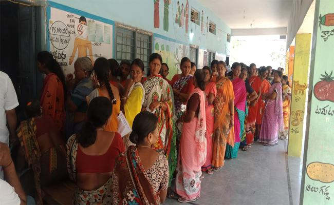 Peacefully Polling Completed In Nizamabad - Sakshi