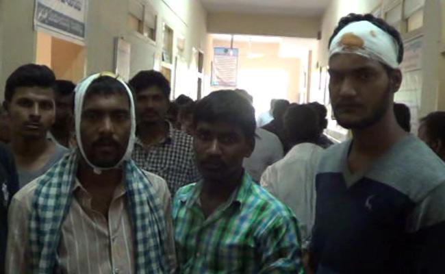 TDP Leaders Attacked On YSRCP Polling Agent Hut In Madakasira - Sakshi