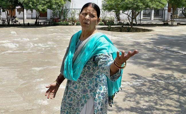 Rabri Devi Said Nitish Kumar To Make Tejashwi Chief Minister If Picked As PM - Sakshi