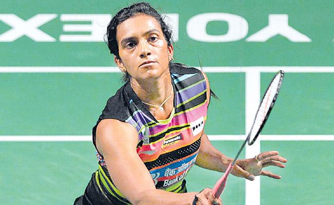 Saina And Srikanth Exit from Singapore Open  PV Sindhu In Semis - Sakshi