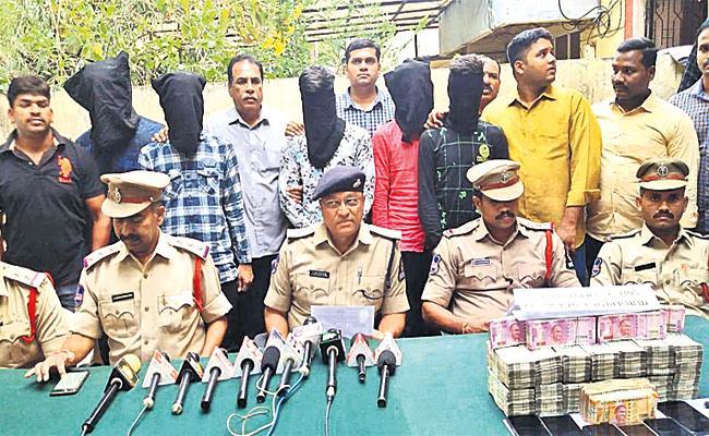 Soninlaw Stolen Uncle Money in Hyderabad - Sakshi