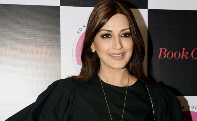 Early Detection Of Cancer Is Essential Said By Sonali Bendre - Sakshi
