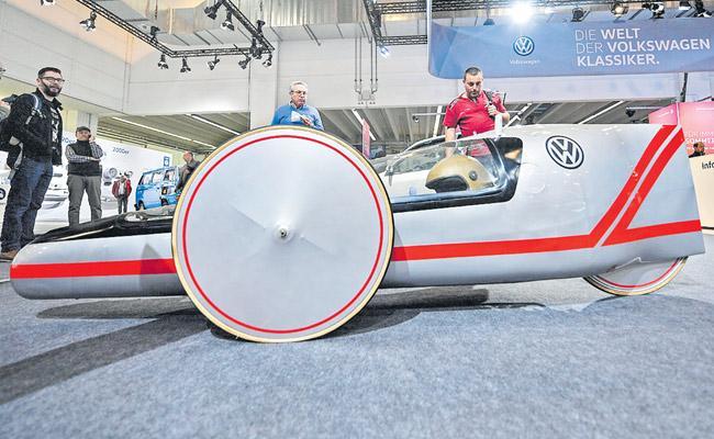 German Prosecutors have Recorded calls between VW bigwigs Talking dieselgate - Sakshi