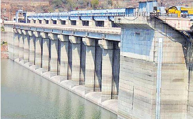 Srisailam And Nagarjuna sagar Water Availability is only 25 TMCs - Sakshi