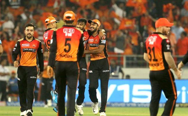 Delhi Capitals Set Target of 156 Runs Against SRH - Sakshi