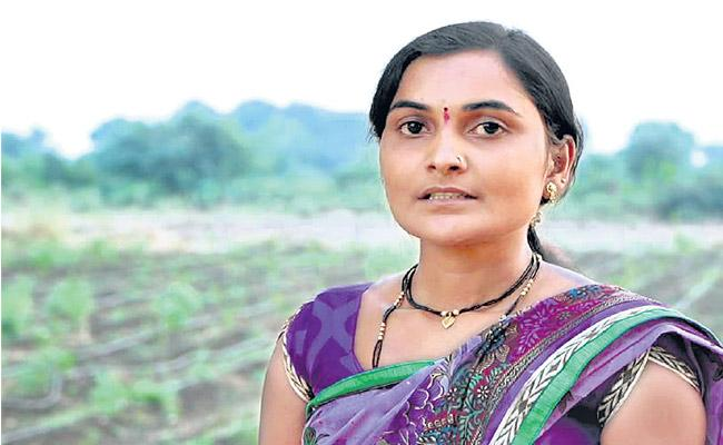 For two Decades Farmers Succumbed to Suicides - Sakshi