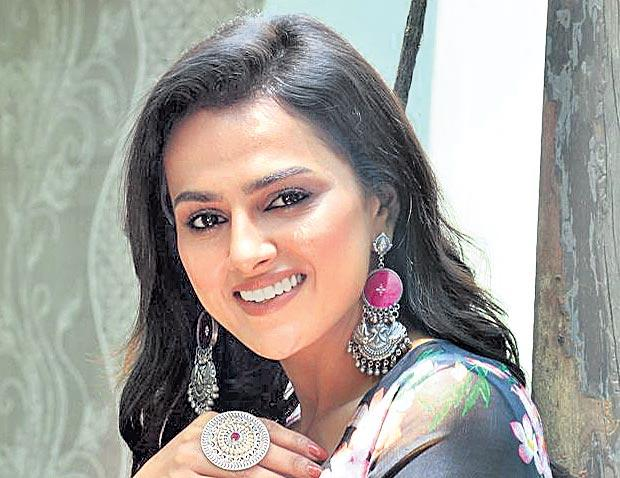 shraddha srinath interview about jersey - Sakshi