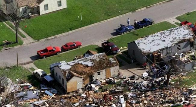 Tornadoes Lash Texas, Mississippi - Sakshi