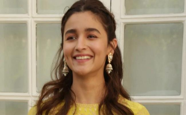 Alia Bhatt reveals she can Not Vote In Lok Sabha Elections 2019 - Sakshi