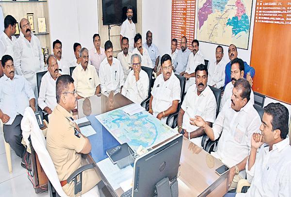 Kodela Shivaprasad Is A Topper In Election Crimes Says YSRCP Leaders - Sakshi
