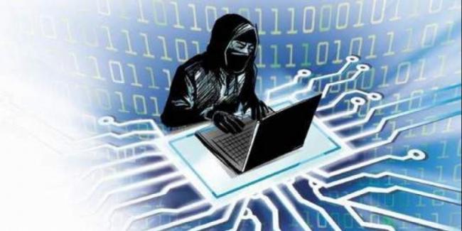 Former Secretary To GOI Writes Letter To It Ministry Over Data Theft - Sakshi