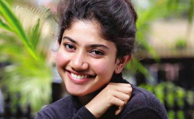 Sai Pallavi Rejected 2 Crore Add Project - Sakshi