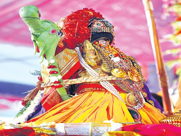 Sri Seetharama Kalyanam Done As Grand Level At Bhadradri - Sakshi