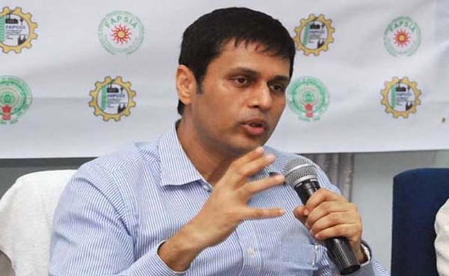 We Will Book Cases Againist Social Media Said By Telangana CEO Rajat Kumar - Sakshi