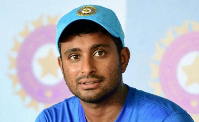 Ordered 3d glasses to watch World Cup: Rayudu after exclusion - Sakshi