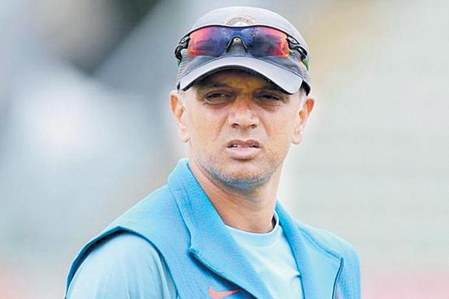 India ex-cricketer Rahul Dravid's name missing from voters list - Sakshi