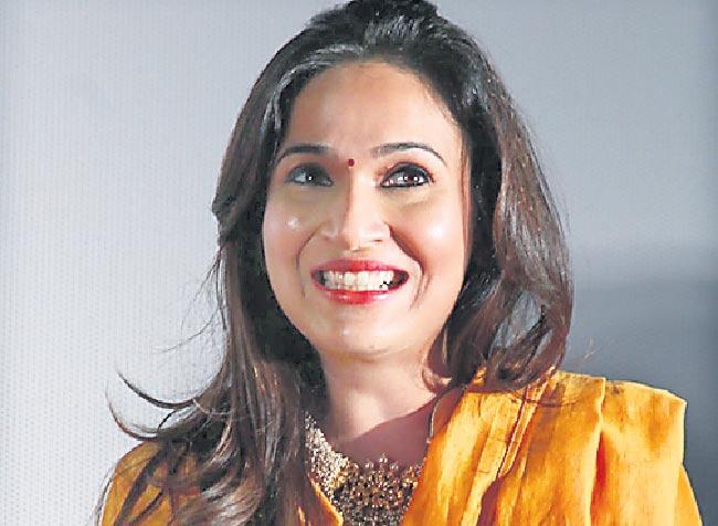 One strong condition Vishagan made before marrying Soundarya - Sakshi