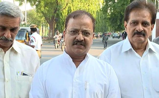 BJP Leaders Sudheesh Rambhotla And Vijay Babu Slams Chandrababu In Amaravati - Sakshi