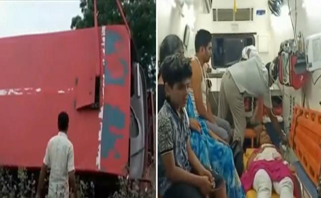 RTC Bus Roll Over At Nawabpet Krishna District - Sakshi