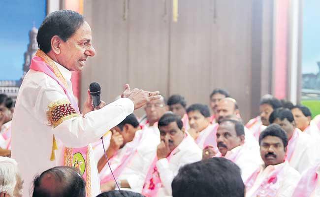 TRS Will Play Key Role In Delhi Says CM KCR - Sakshi