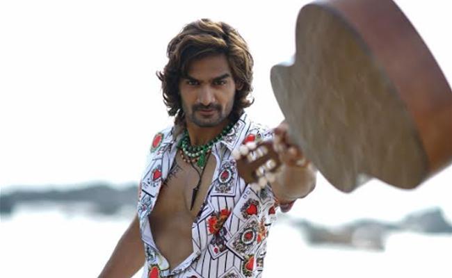 Rx 100 Fame Karthikeya New Movie Hippi Release Date - Sakshi