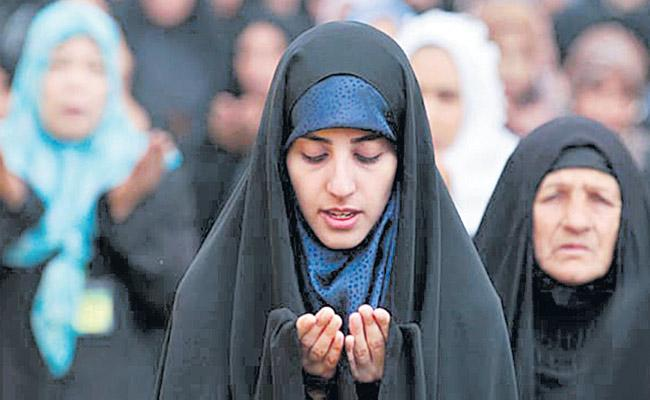 Supreme Court to Hear plea on Allowing Women inside Mosques Today - Sakshi