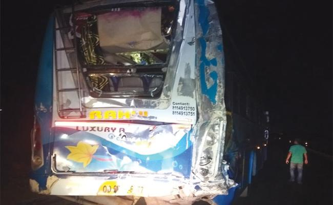 Travel Bus And Lorry Accident in Srikakulam - Sakshi