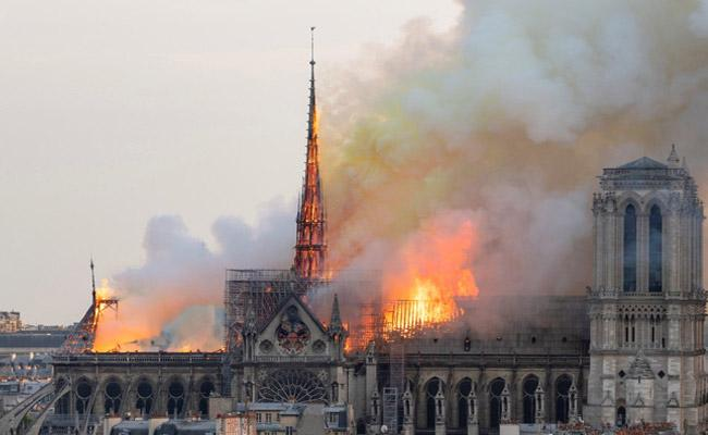 Notre Dame Fire Reveals About the Soul of France - Sakshi